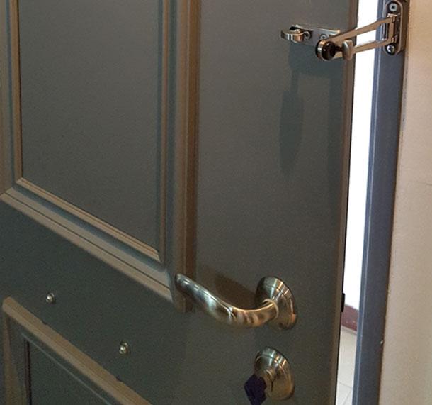 Buy 2 security doors and get Childlock FOR FREE